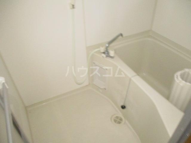 ひぐらし荘 201号室の風呂