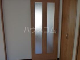 ESⅢ 202号室のベッドルーム