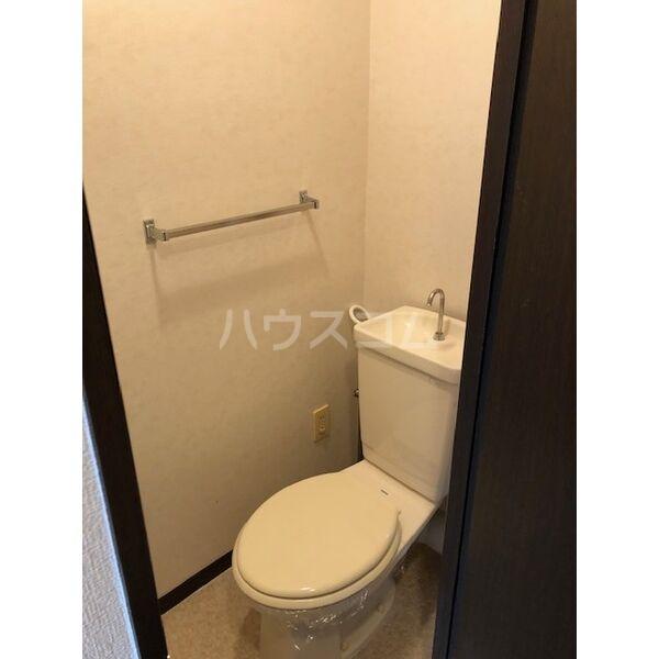 ロマネスク井尻第2 201号室のトイレ
