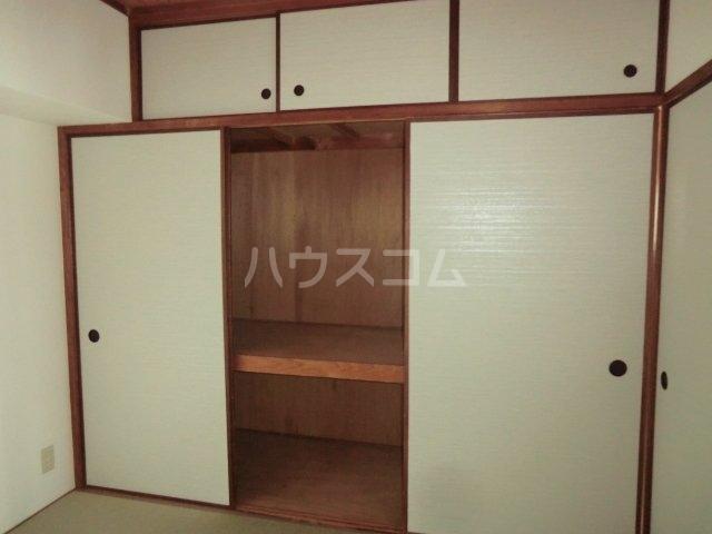 古城川ハイツ 402号室の玄関