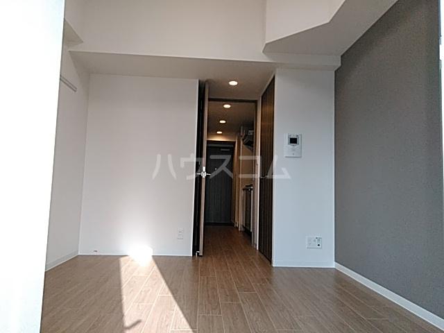プレサンス名古屋幅下ファビュラス 703号室のリビング