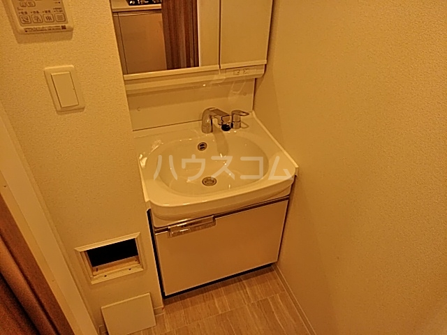 プレサンス名古屋幅下ファビュラス 703号室の洗面所