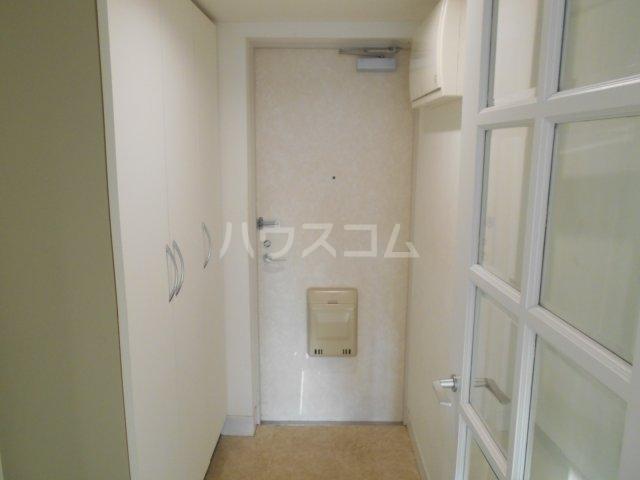 ライオンズマンション菊名第2 304号室の玄関