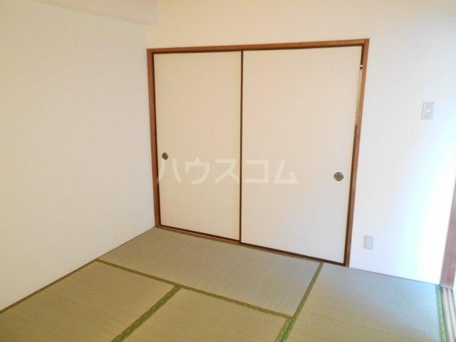ライオンズマンション菊名第2 304号室の収納