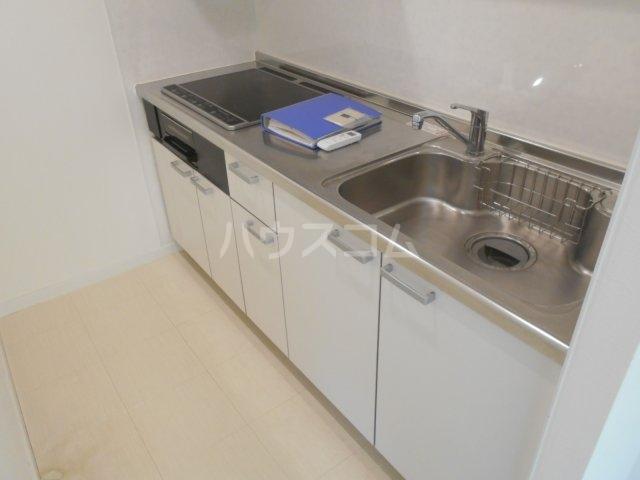 ライオンズマンション菊名第2 304号室のキッチン