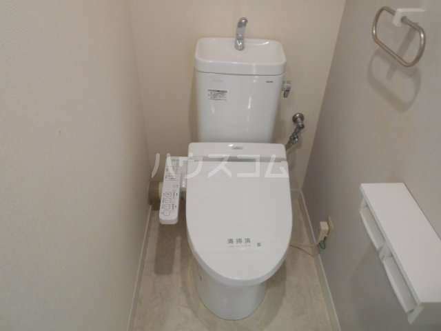 ライオンズマンション菊名第2 304号室のトイレ