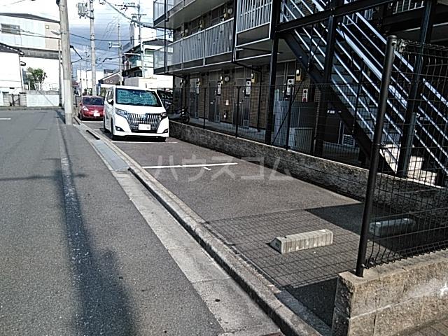 レオパレスTN参番館 103号室の駐車場
