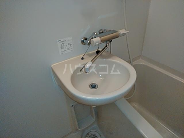 レオパレスTN参番館 103号室の洗面所
