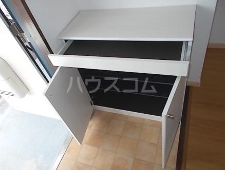 エルディム小川B 01060号室の玄関