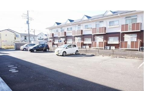 エルディム小川B 01060号室の駐車場