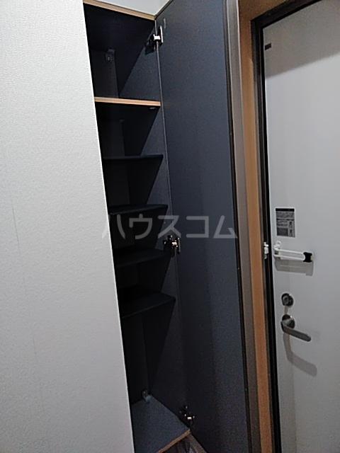 シャンテ船橋宮本B棟 101号室の玄関