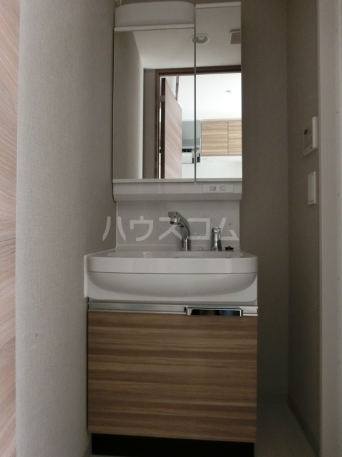 メイクス矢場町 506号室の洗面所