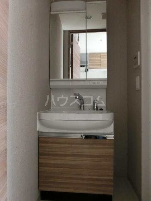 メイクス矢場町 605号室の洗面所