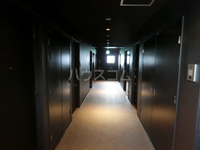 メイクス矢場町 707号室のエントランス