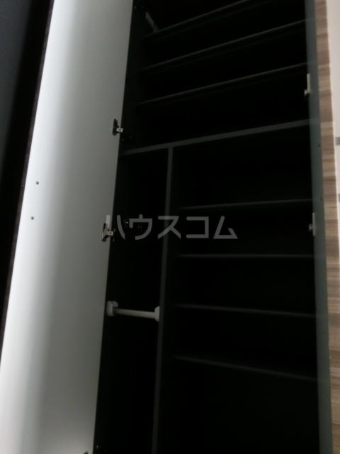メイクス矢場町 707号室のリビング