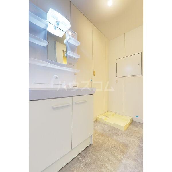 森産ビル 305号室の洗面所
