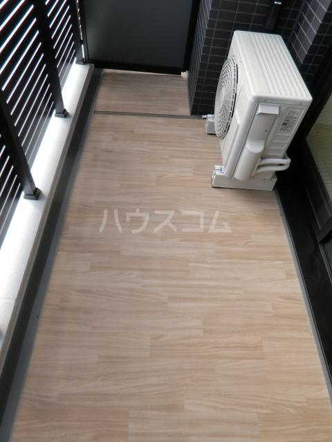 メイクス矢場町 903号室のバルコニー