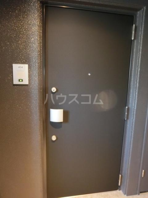 メイクス矢場町 1004号室の玄関