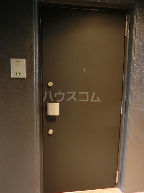 メイクス矢場町 1006号室の玄関