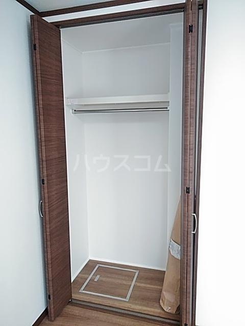 クレストール綾瀬 202号室の収納