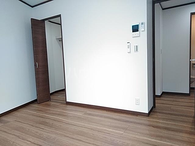 クレストール綾瀬 303号室のベッドルーム