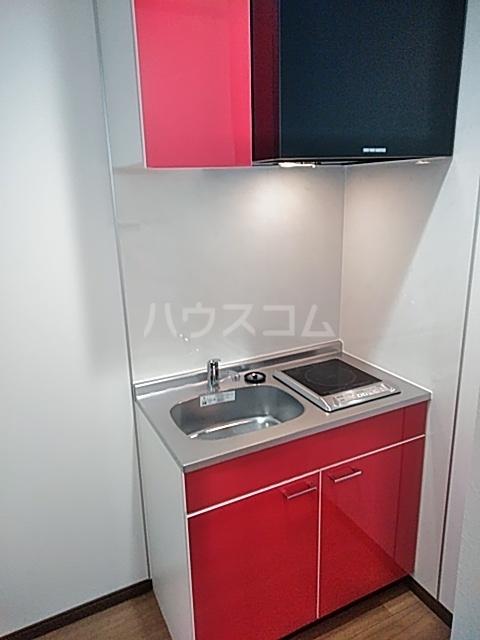 クレストール綾瀬 303号室のキッチン