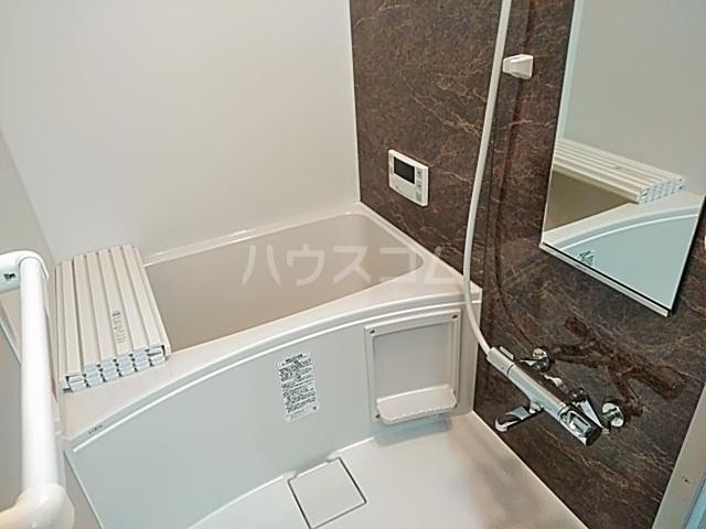クレストール綾瀬 303号室の風呂