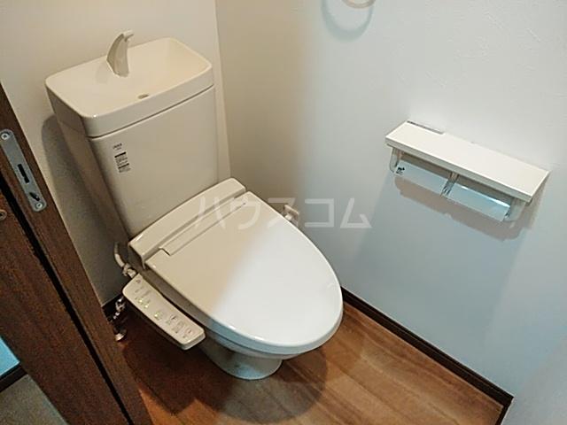 クレストール綾瀬 303号室のトイレ