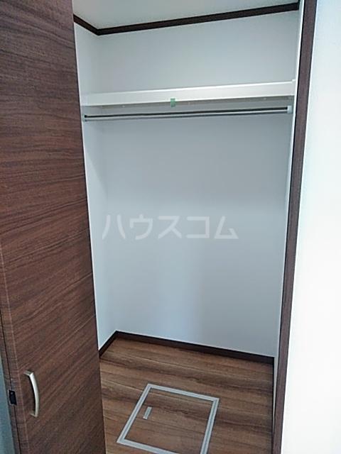 クレストール綾瀬 303号室の収納