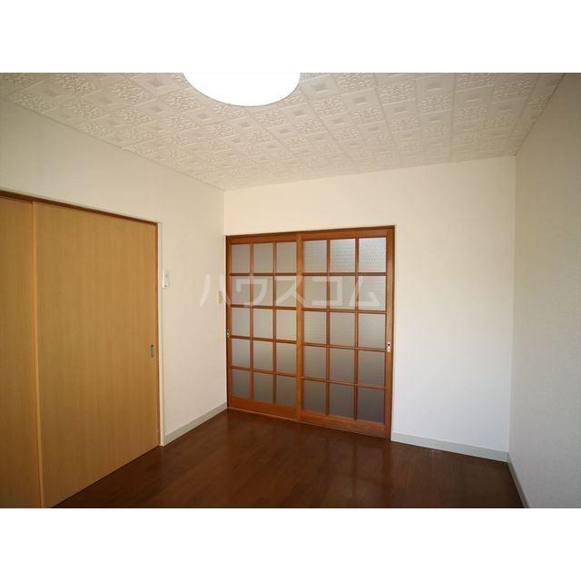 エスポアール佐鳴台 101号室の居室