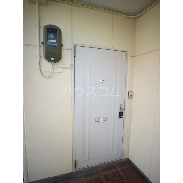 エスポアール佐鳴台 101号室の玄関
