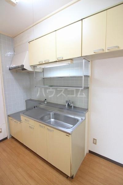 高僧ホーム 103号室のキッチン