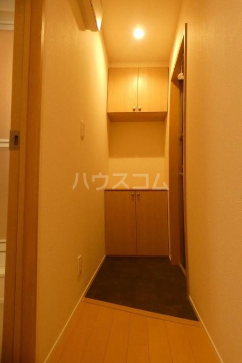 メゾンさくら 101号室の玄関
