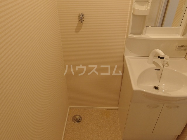 カインドネス八王子東中野 101号室の洗面所