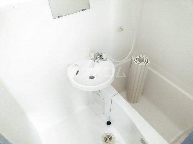 ホワイトプラム1 101号室の風呂
