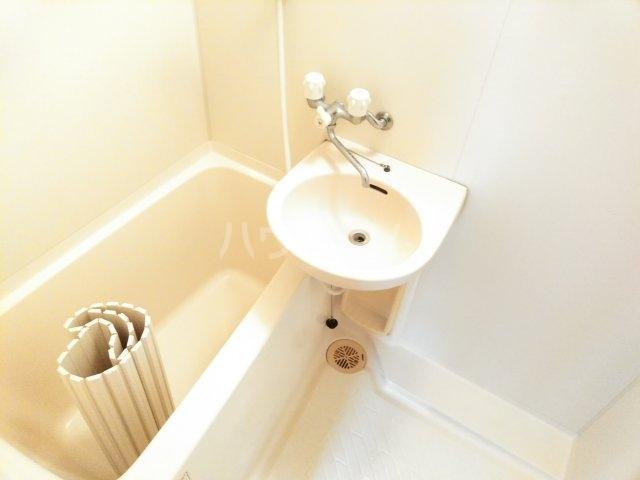 ホワイトプラム2 101号室の風呂
