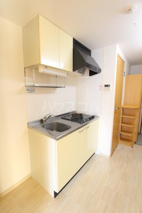 メゾンドアベニール 303号室のキッチン