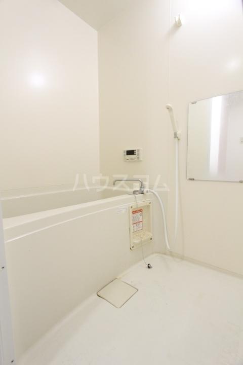 メゾンドアベニール 303号室の風呂