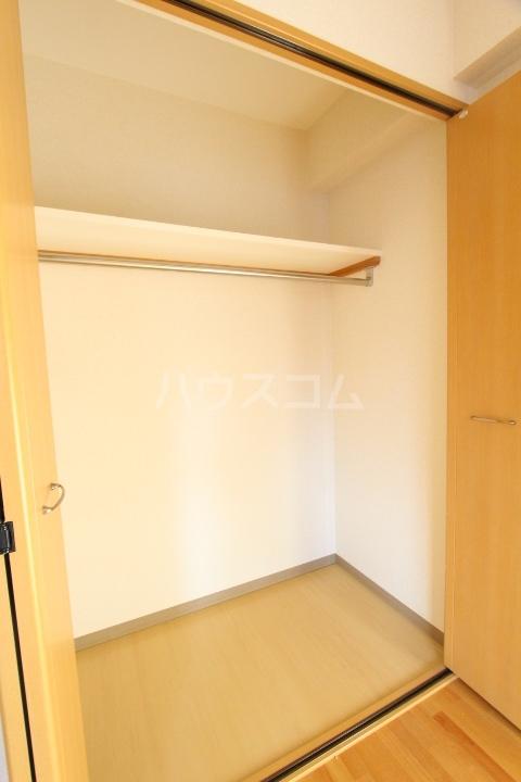 メゾンドアベニール 303号室の収納