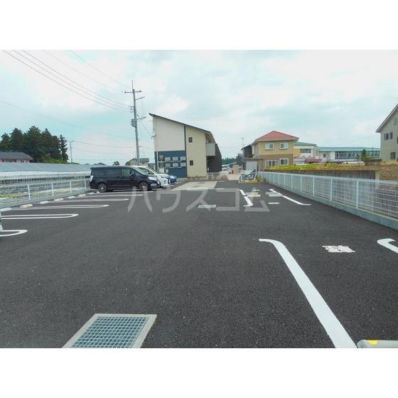 Cloverの駐車場