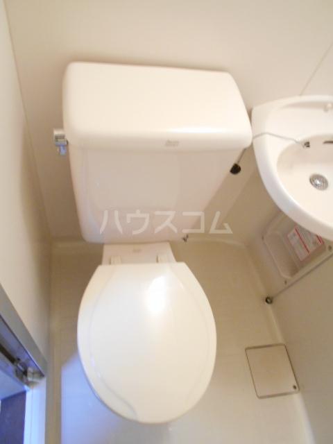 シャンブルN 102号室のトイレ