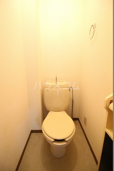 ソフィアK 203号室のトイレ