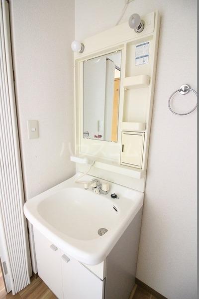 ソフィアK 203号室の洗面所