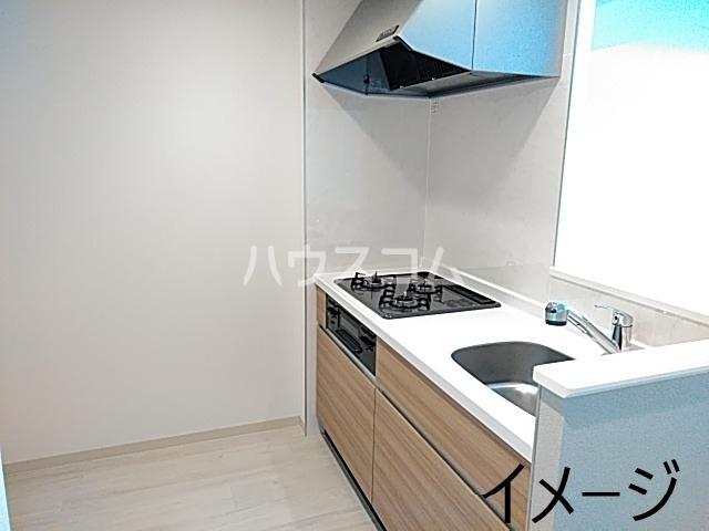 エス・メゾンE棟 101号室のキッチン