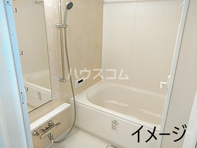 エス・メゾンE棟 101号室の風呂
