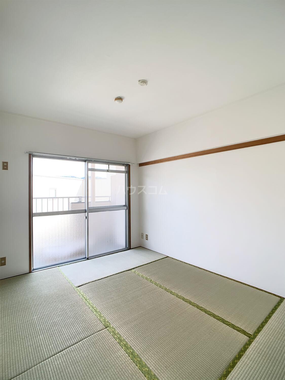 六本松ビル 403号室の居室
