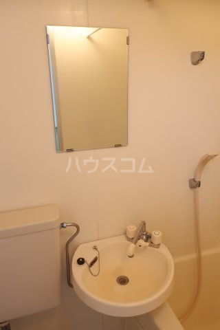 グリーンノア 4B号室の洗面所