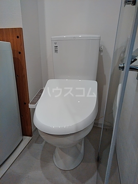 Ligere南行徳West 101号室のトイレ