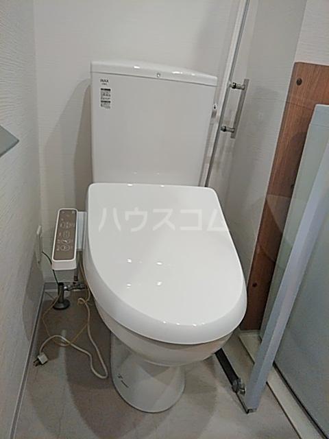 Ligere南行徳West 102号室のトイレ