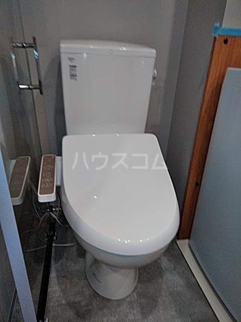 Ligere南行徳West 202号室のトイレ